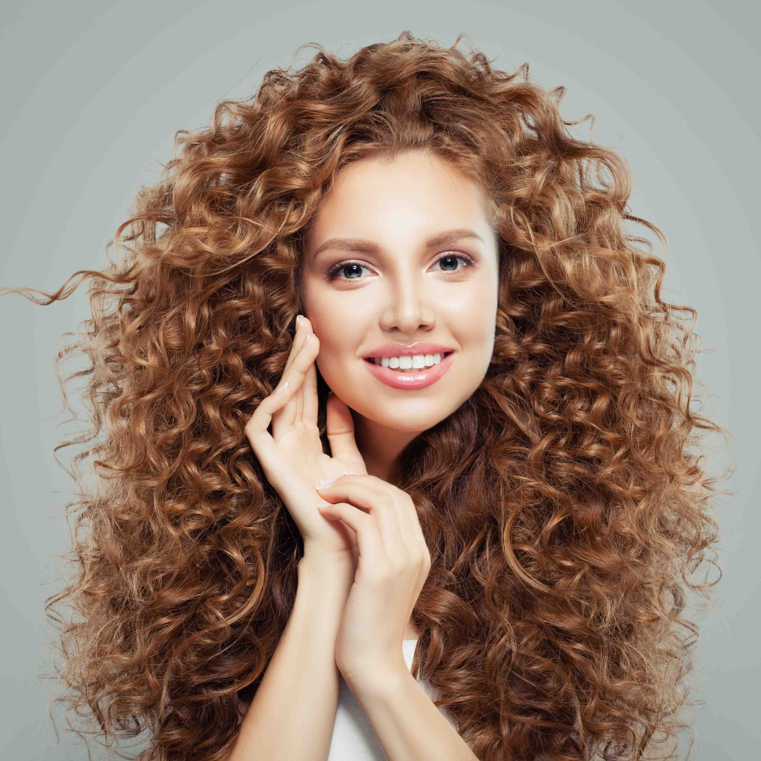 capelli-ricci-royal-bee-keeping-liss-hairlovers-style.jpg